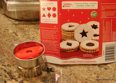 These Wilton Linzer Cookie cutters are easy to use and the result beautiful to serve.