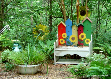 Grady Birdhouse bench
